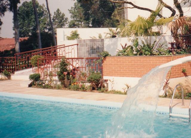 Diversas  1982 a 2002  Grupo 352 Jardins em Piscina Residencial